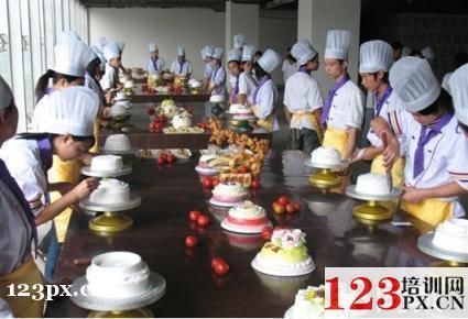 广州培训蛋糕烘焙学校哪家强