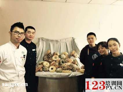 潍坊蛋糕裱花培训学校
